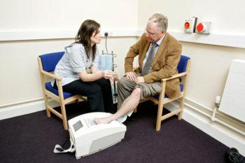 Heel ultrasound - man - radiologist